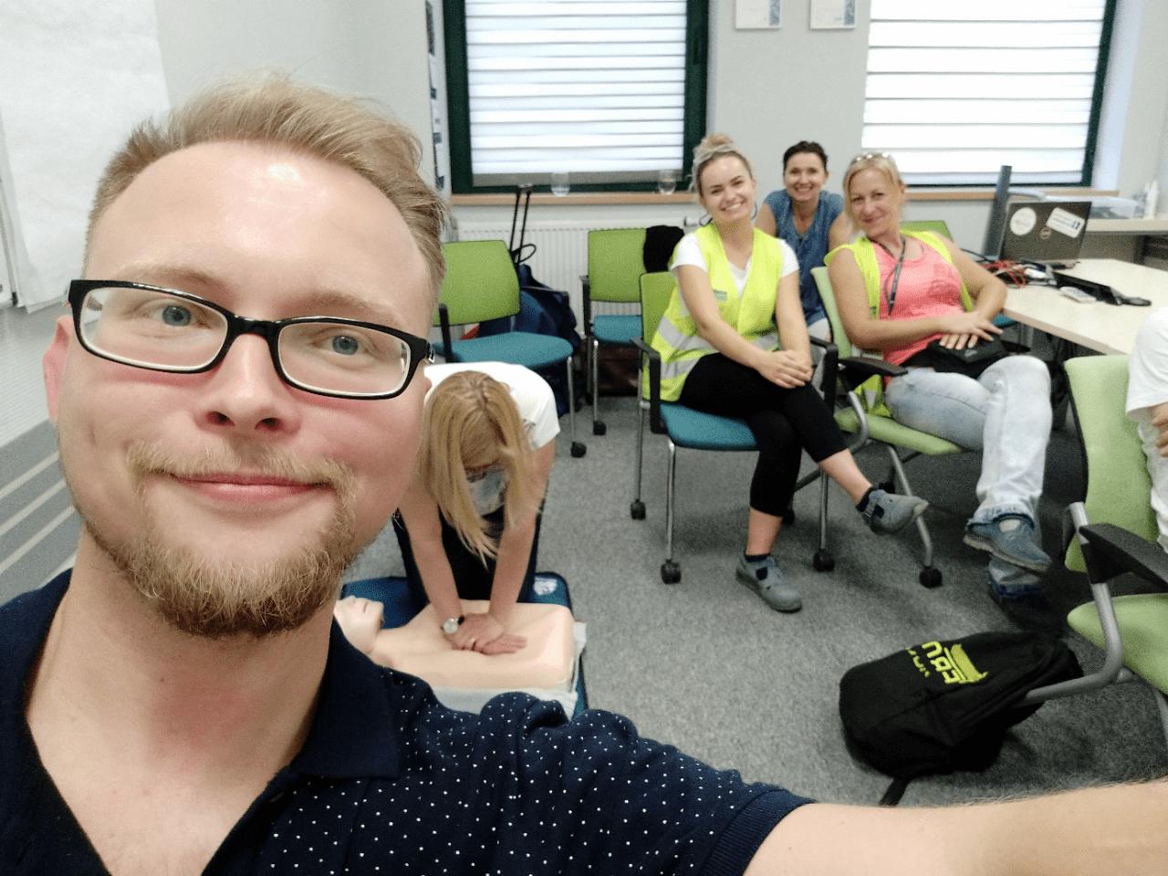 szkolenie z pierwszej pomocy przedmedycznej dla firm wrocław