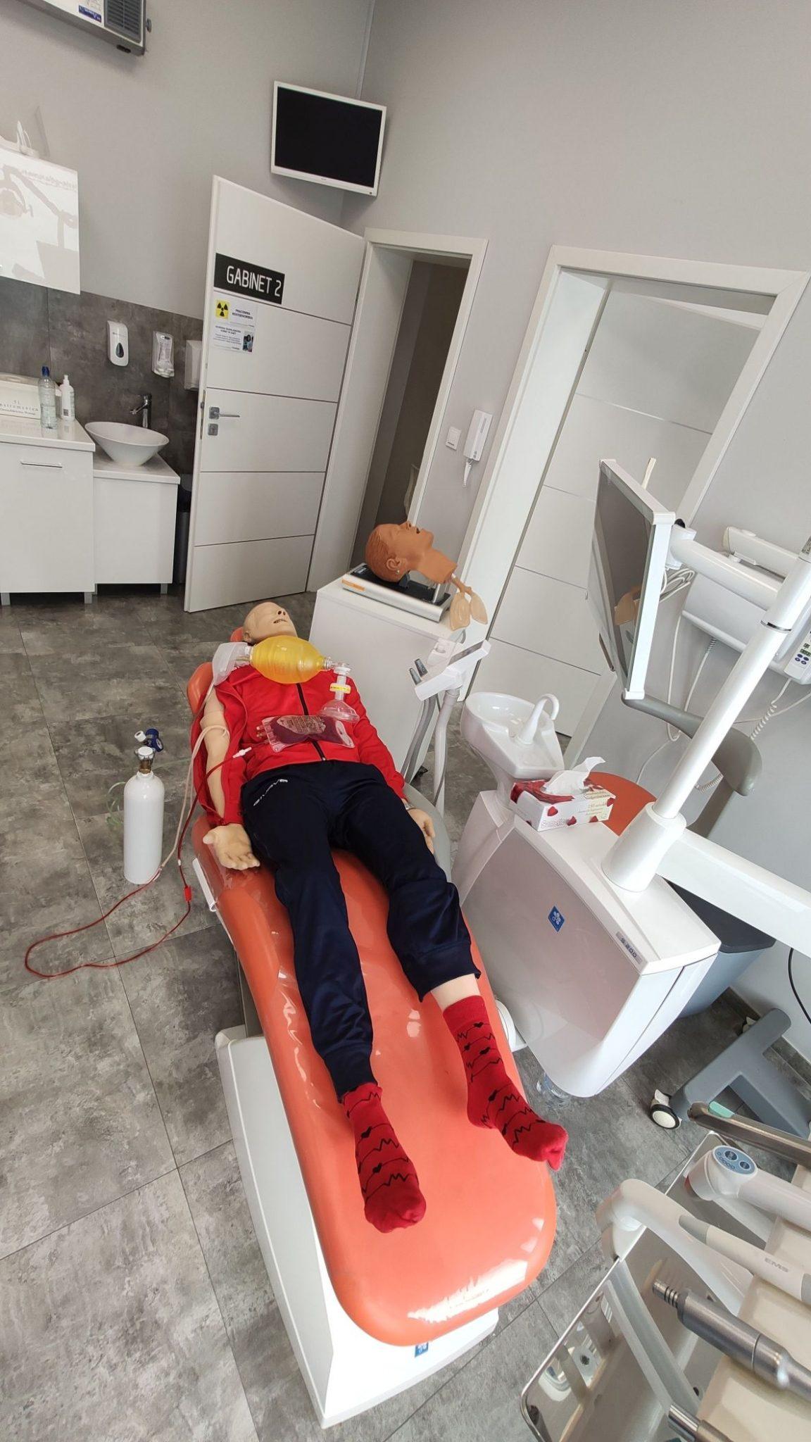 kurs pierwsza pomoc gabinet stomatologiczny